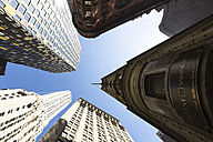 USA, New York City, Manhattan, Financial District, One William Street, view from below - FC000894