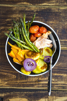 Lunch bowl with vegetables and salmon - SARF002684
