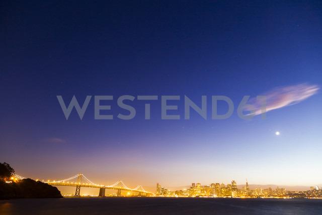USA, Bay Bridge of San Francisco at night - GIOF000821