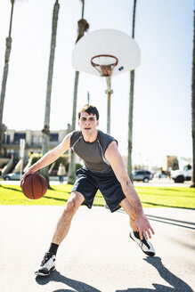 USA, Los Angeles, basketball training - LEF000089