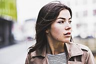 Portrait of a pretty brunette woman - UUF006892