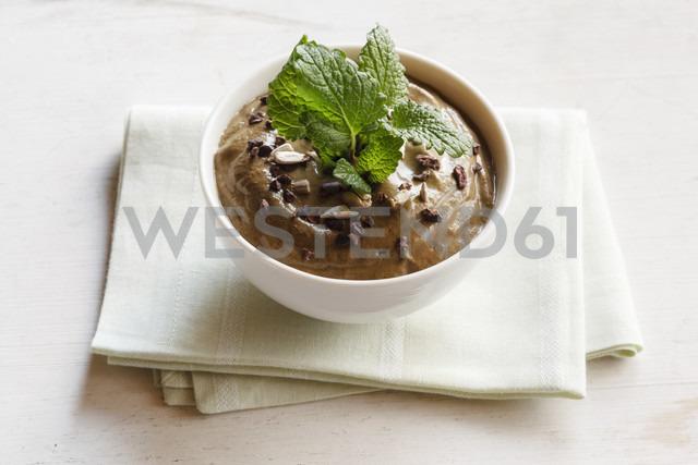 Smoothie Bowl with cocoa, avocado and melissa - EVGF002916