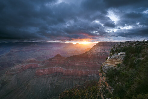 USA, Arizona, View of Grand Canyon National Park at sunrise - EPF000071