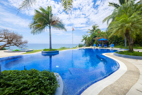 Mexico, Punta de Mita, swimmingpool with view to the sea - ABAF001991