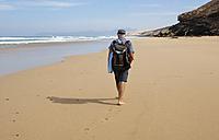 Spain, Canary Islands, Fuerteventura, Beach of Barlovento, beach stroll - WWF003953