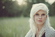 Portrait of a blonde girl in summer - ANHF000015