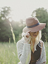 Girl with hat in summer - ANHF000018