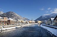Austria, Bad Ischl, Spa Town, Traun river in winter - WWF003983