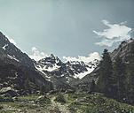 Italy, Lombardy, Chiareggio, View of glacier, hiking trail - DWIF000721