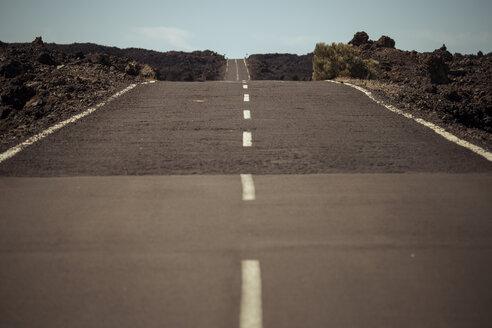 Spain, Tenerife, empty road in El Teide region - SIPF000375