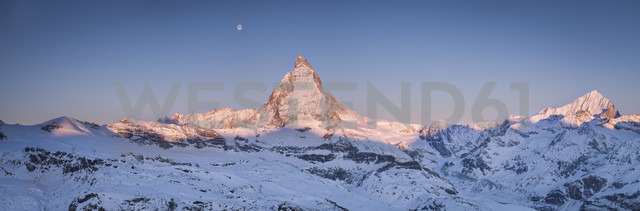 Switzerland, Zermatt, Pennine Alps, view to Matterhorn at sunrise, panorama - STCF000229 - Spotcatch/Westend61
