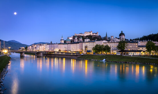 Austria, Salzburg, cityscape with river Salzach at night - HAM000187