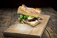 Sandwich, French white bread, smoked ham, basil, dried tomate and parmesan - LVF004806