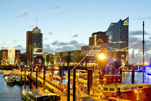 Germany, Hamburg, Niederhafen in the evening - MSF004759