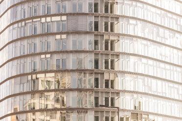 Germany, Berlin, glass facade of Park Kolonnaden at Potsdamer Platz - CMF000423