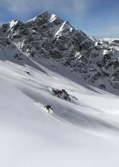 France, Queyras National Park, Off piste, skiing - ALRF000391