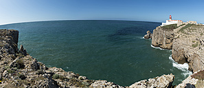 Portugal, Algarve, Lagos, Lighthouse at Cabo de Sao Vicente, panoramic view - FRF000415