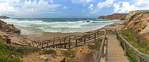 Portugal, Algarve, Lagos, Carrapateira, Praia do Amado, panoramic view - FRF000430