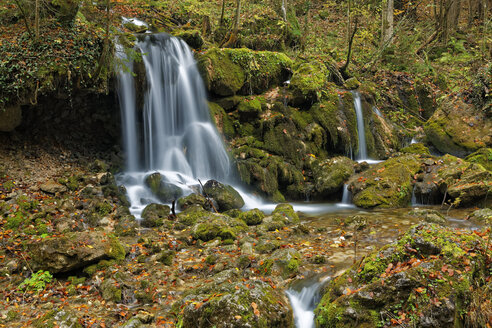 Austria, Styria, Pernegg an der Mur, Grazer Bergland, Baerenschuetzklamm, waterfall - GFF000574