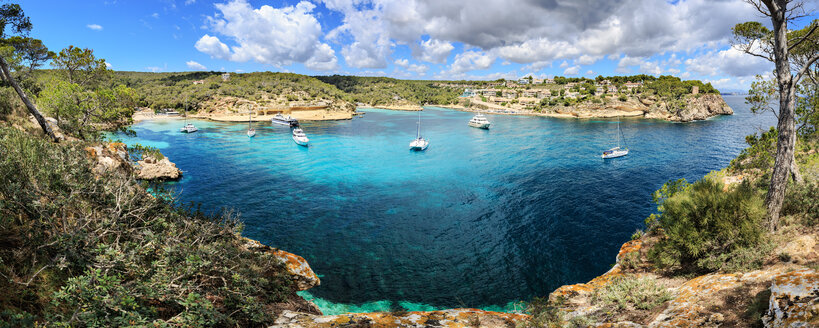 Spain, Mallorca, panoramic view of Portals Vells bay - VTF000520