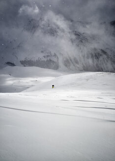 France, Hautes Alpes, Queyras, Nature Park, Ceillac, Pic de Chateau Renard, ski mountaineering - ALRF000438