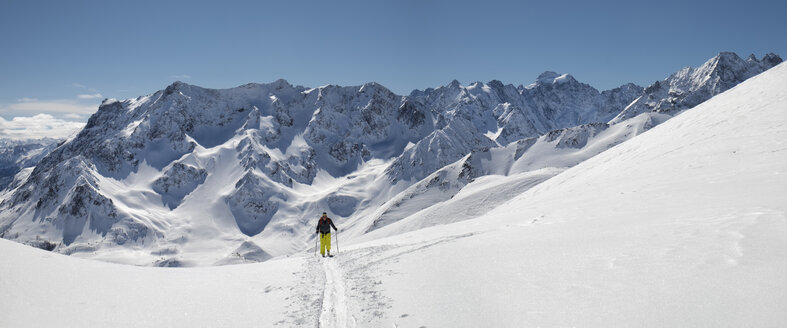 France, Isere, Les Deux Alps, Pic du Galibier, ski mountaineering - ALRF000444