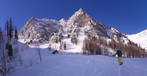 France, Hautes Alpes, Queyras Nature Park, Saint Veran, Tete de Longet, ski mountaineering - ALRF000453