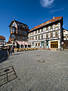 Germany, Saxony-Anhalt, Wernigerode, old town, half-timbered houses and street cafes - AM004891