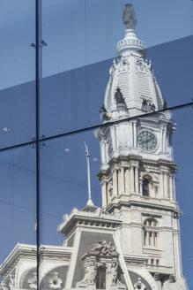 USA, Philadelphia, Reflection of city Hall - MELF000116