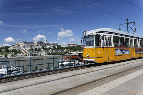 Hungary, Budapest, Tramway and Magyar Nemzeti Galeria in the background - GF000613