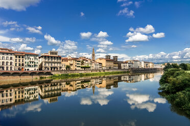 Italy, Tuscany, Florence, old town and Arno river - CSTF001080