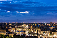 Italy, Tuscany, Florence, Old town and Arno river, Ponte Vecchio in the evening - CSTF001092