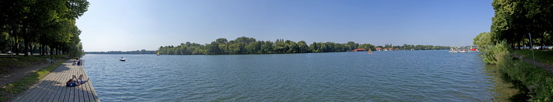 Germany, Hannover, Panoramic view of Lake Maschsee - KLR000325