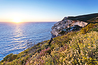 Greece, Ionian Islands, Zakynthos, Porto Vromi at sunrise - FPF000082