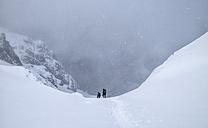 UK, Scotland, Glencoe, Stob Coire Nan Lochain, mountaineering in winter - ALRF000494