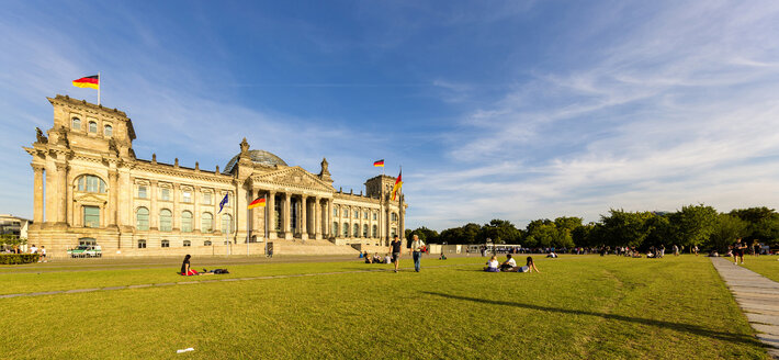 Germany, Berlin, view to Reichstag building - TAM000501