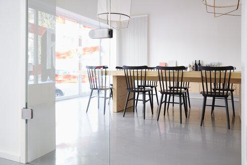 Interior of bright modern office - RHF001477