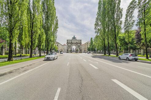 Germany, Bavaria, Munich, Victory Gate, Leopoldstrasse - THAF001598
