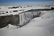 Iceland, Dettifoss waterfall in snow - FDF000183