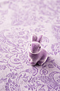 Purple Easter bunny on patterned fabric - MYF001503