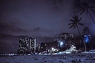 USA, Hawaii, Oahu, Waikiki Beach at night - NGF000350