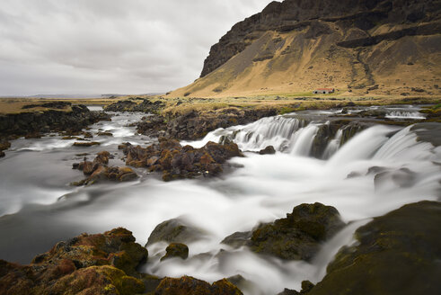 Iceland, landscape with brook - FDF000188