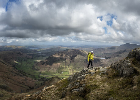 England, Cumbria, Lake District, Langdale, Harrison Stickle, climber - ALRF000546