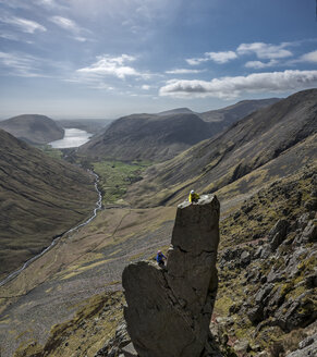 England, Cumbria, Lake District, Wasdale Valley, Wastwater, Great Gable, Napes Needle, climbers - ALRF000561