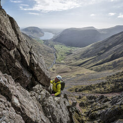England, Lake District, climber in Wasdale Valley - ALRF000567