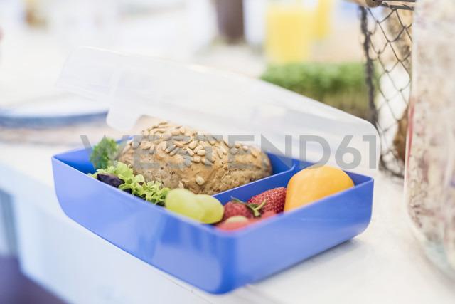 Lunch box with healthy food - MJF001893 - Jana Mänz/Westend61