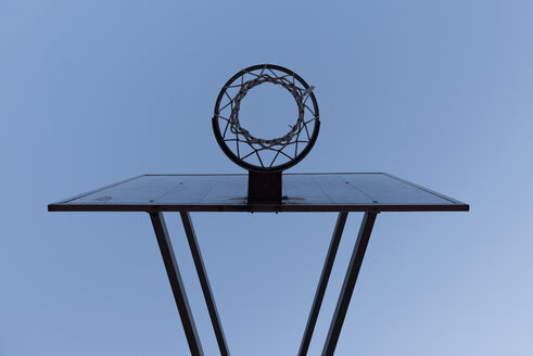 Basketball hoop, low angle view - SKAF000020