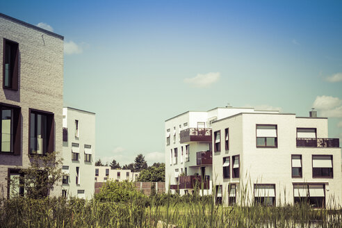 Germany, Berlin, new built detached multi-family houses - CMF000501