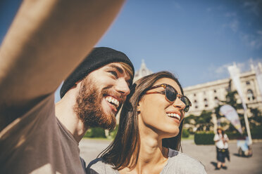 Young couple taking selfie in Vienna - AIF000335