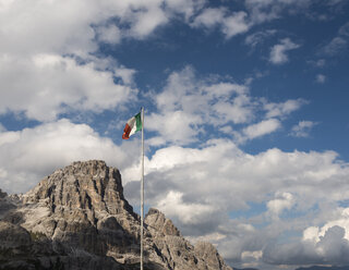 Italy, Italian flag in front of Dolomites - MKFF000300